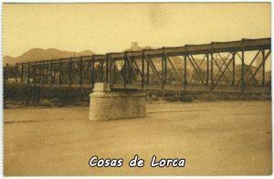 El puente sobre el Ramblar, lecho del Guadalentín. El puente fue proyectado por el ingeniero Neil Kennedy y construido en 1891