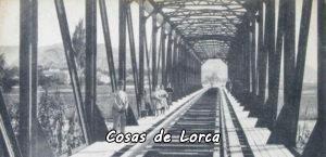 posando-en-el-puente-de-hierro