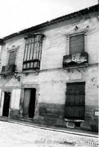 CASA EN PLAZA ESPAÑA CON PLACA CONMEMORATIVA SAGRADO CORAZON 1733