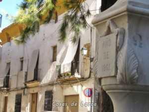 Casona de los Calderones del siglo XVIII en plaza del Ibreño