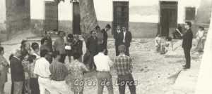 HOMENAJE EN 1950 SIN PERMISO GUBERNATIVO EN PLAZA CAÑICO