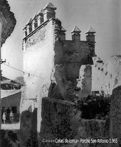 PORCHE SAN ANTONIO ESTADO EN 1965 DESTROZADO