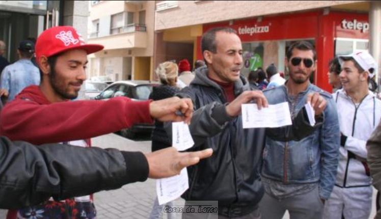 Unos 100 Trabajadores Denuncian Que Una Ett De Lorca No Les Paga Y