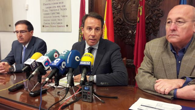 El Alcalde anuncia que Aguas de Lorca eleva la dotación del Bono Social del Agua hasta 450.000 euros para ayudar a las familias en situación de vulnerabilidad